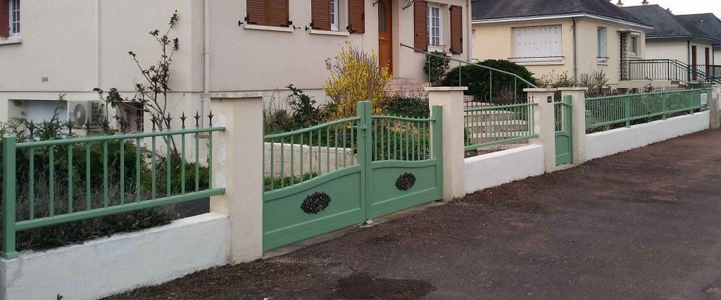 votre portail aluminium motoris saumur 49 chinon 37 thouars 79. Black Bedroom Furniture Sets. Home Design Ideas