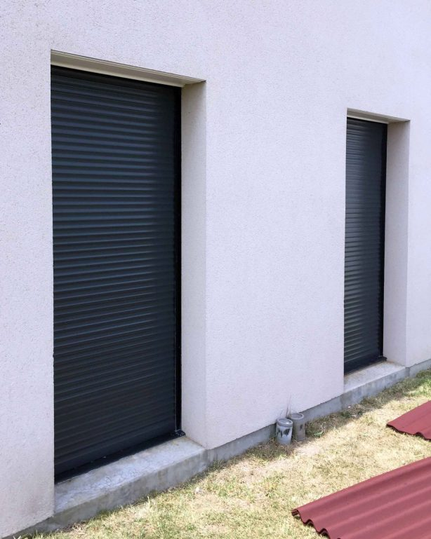 Volet roulant aluminium saumur menuiserie portail store volet porte de garage et pergola - Porte de garage volet roulant ...
